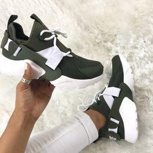 81aab526a1f3 Nike Shoes - NWT Nike Air Huarache City Lows in Cargo Khaki